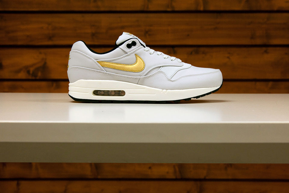 nike-gold-trophy-pack-04