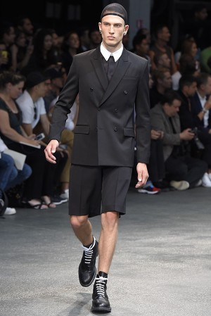 givenchy-springsummer-2015-collection-01-300x450