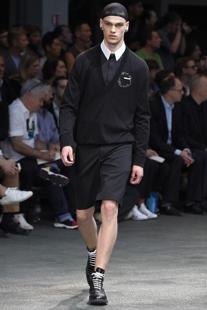 givenchy-springsummer-2015-collection-02-300x450