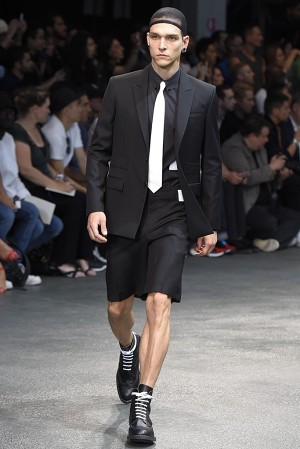 givenchy-springsummer-2015-collection-06-300x450