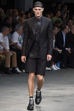 givenchy-springsummer-2015-collection-12-300x450