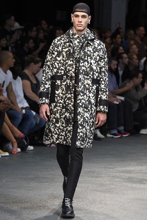 givenchy-springsummer-2015-collection-13-300x450