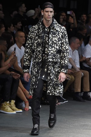 givenchy-springsummer-2015-collection-15-300x450
