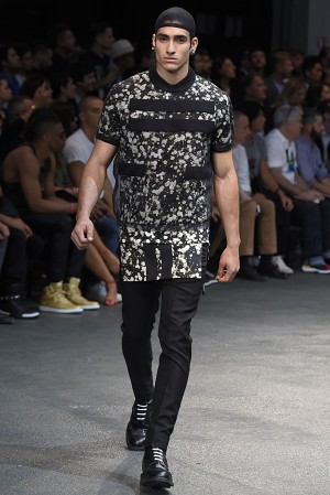 givenchy-springsummer-2015-collection-20-300x450