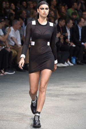 givenchy-springsummer-2015-collection-24-300x450
