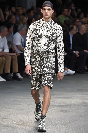 givenchy-springsummer-2015-collection-41-300x450