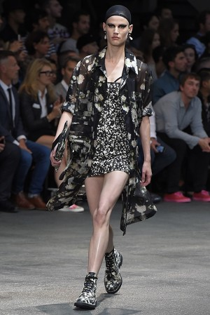 givenchy-springsummer-2015-collection-43-300x450