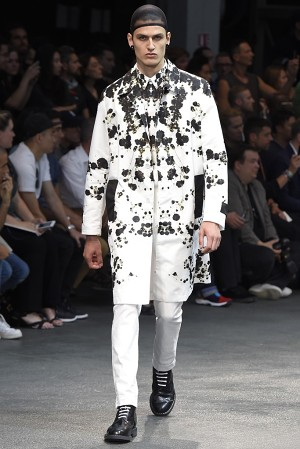 givenchy-springsummer-2015-collection-48-300x450