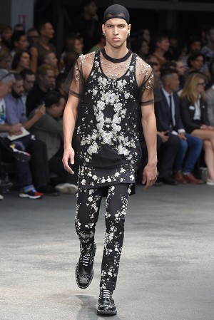 givenchy-springsummer-2015-collection-54-300x450