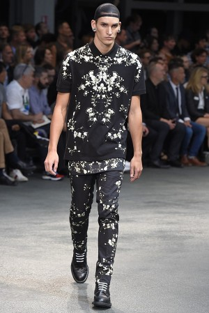 givenchy-springsummer-2015-collection-55-300x450