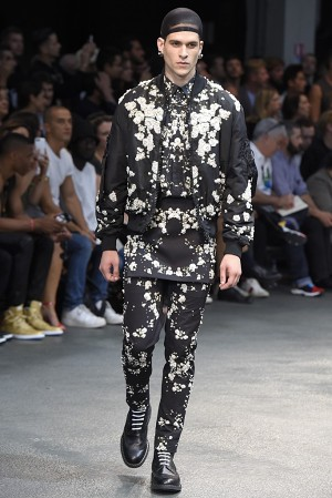 givenchy-springsummer-2015-collection-58-300x450