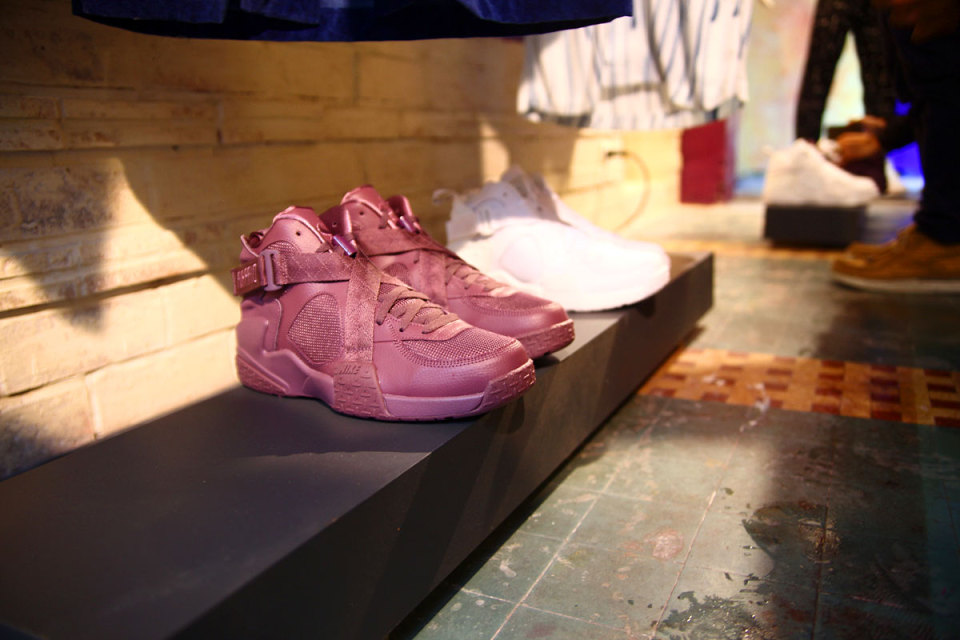 nike-pigalle-air-raid-preview-1-960x640