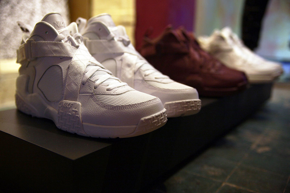 nike-pigalle-air-raid-preview-2-960x640