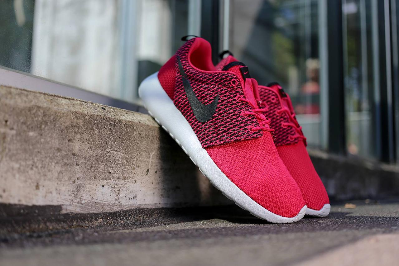 Nike Roshe Run «Fuchsia»