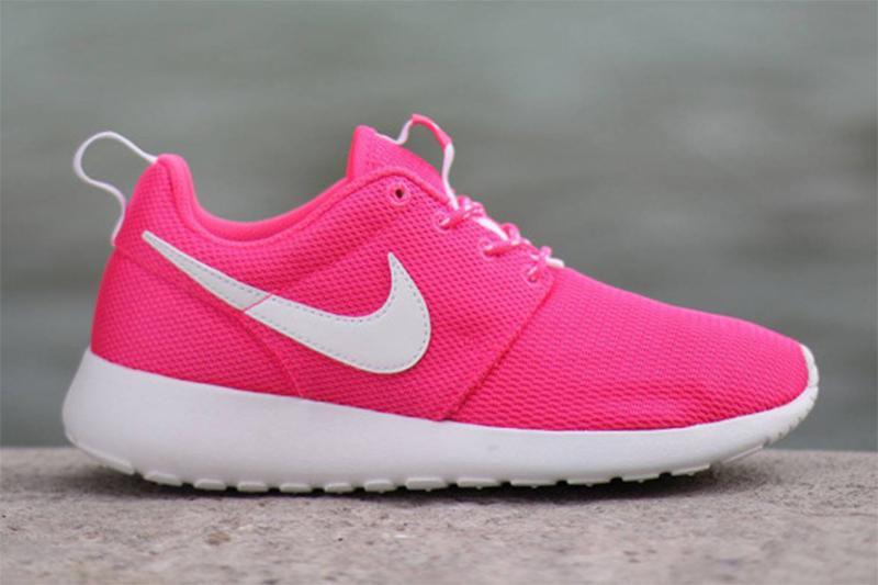 """Nike Roshe Run GS """"Hyper Pink"""""""