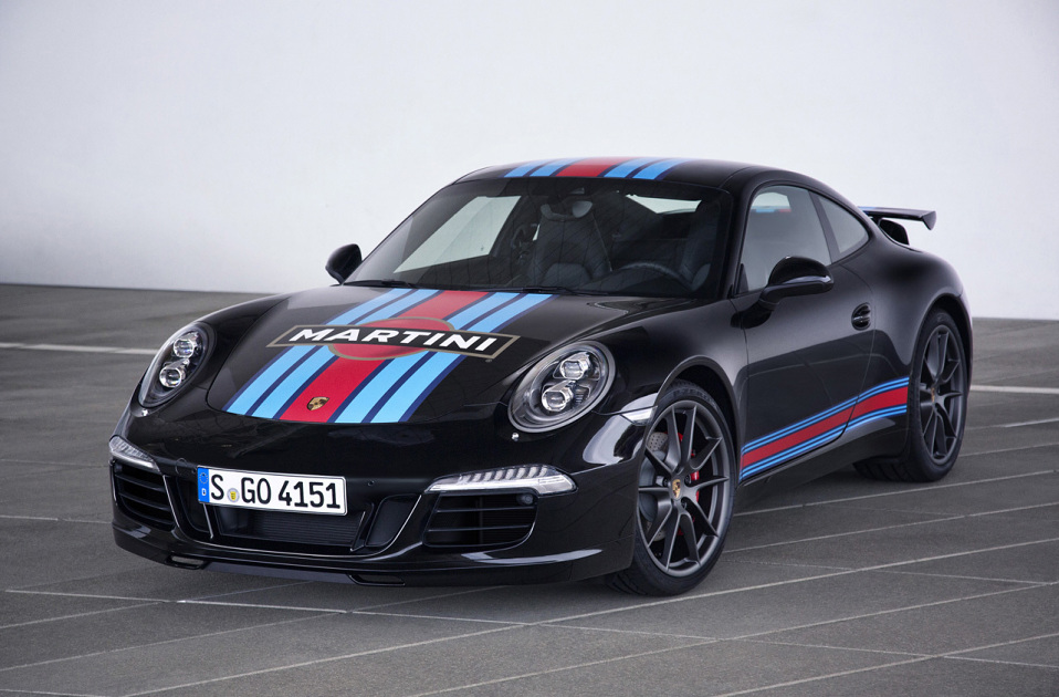 porsche-celebrates-le-mans-with-martini-edition-911-2
