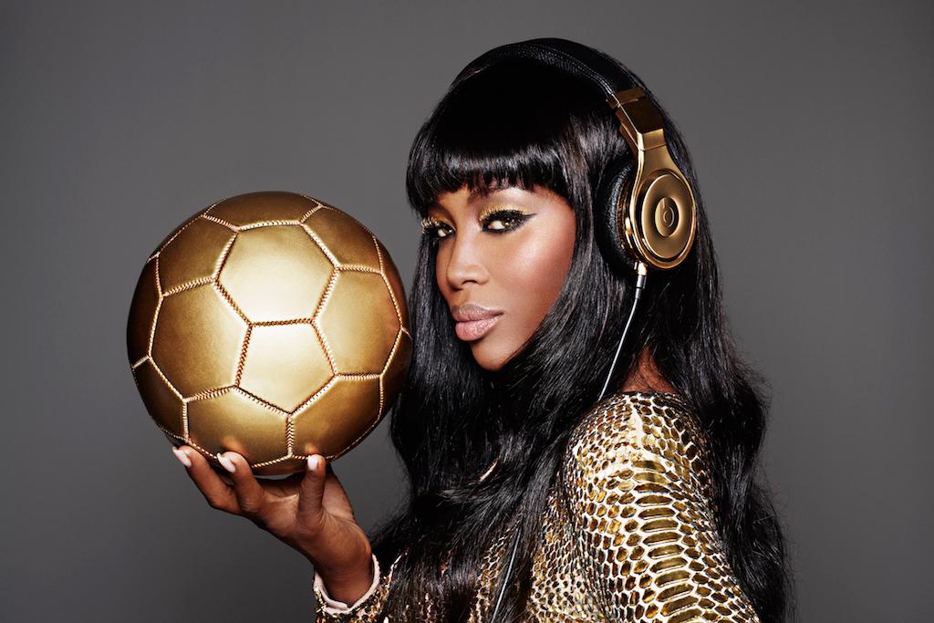 Un casque beats en or 24 carats pour les vainqueurs de la Coupe du Monde