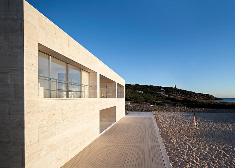 The-House-Of-The-Infinite-Alberto-Campo-Baeza-Modern-Home-Spain-5