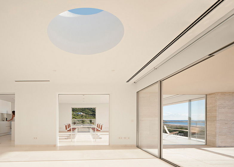 The-House-Of-The-Infinite-Alberto-Campo-Baeza-Modern-Home-Spain-7