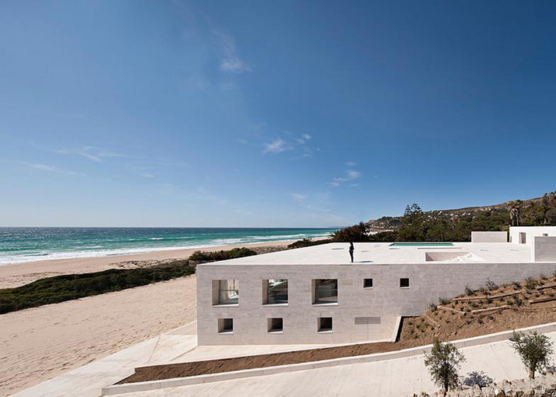 The-House-Of-The-Infinite-Alberto-Campo-Baeza-Modern-Home-Spain-8