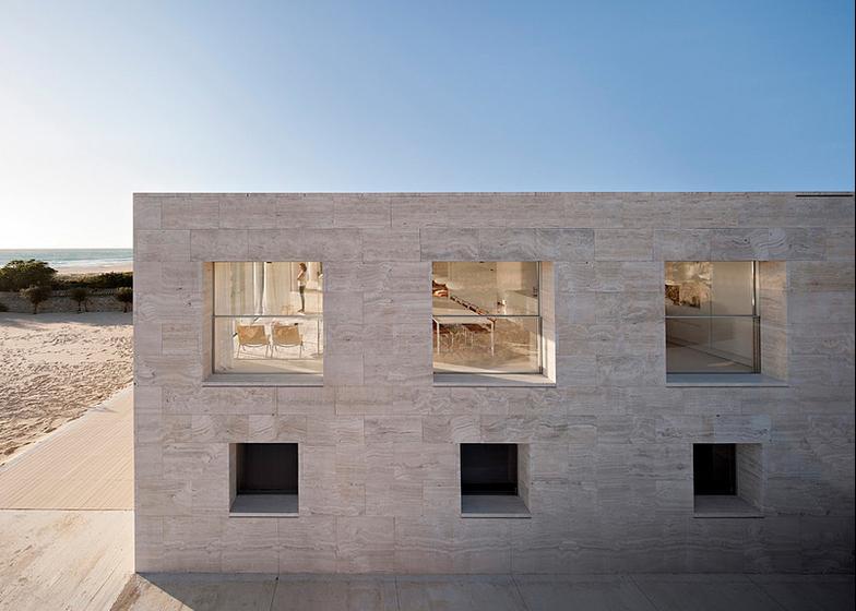 The-House-Of-The-Infinite-Alberto-Campo-Baeza-Modern-Home-Spain-9