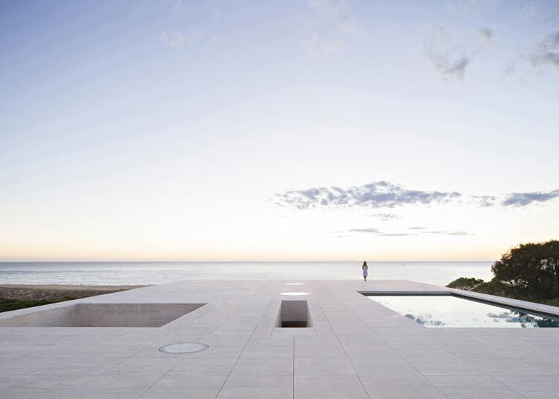 The-House-Of-The-Infinite-Alberto-Campo-Baeza-Modern-Home-Spain