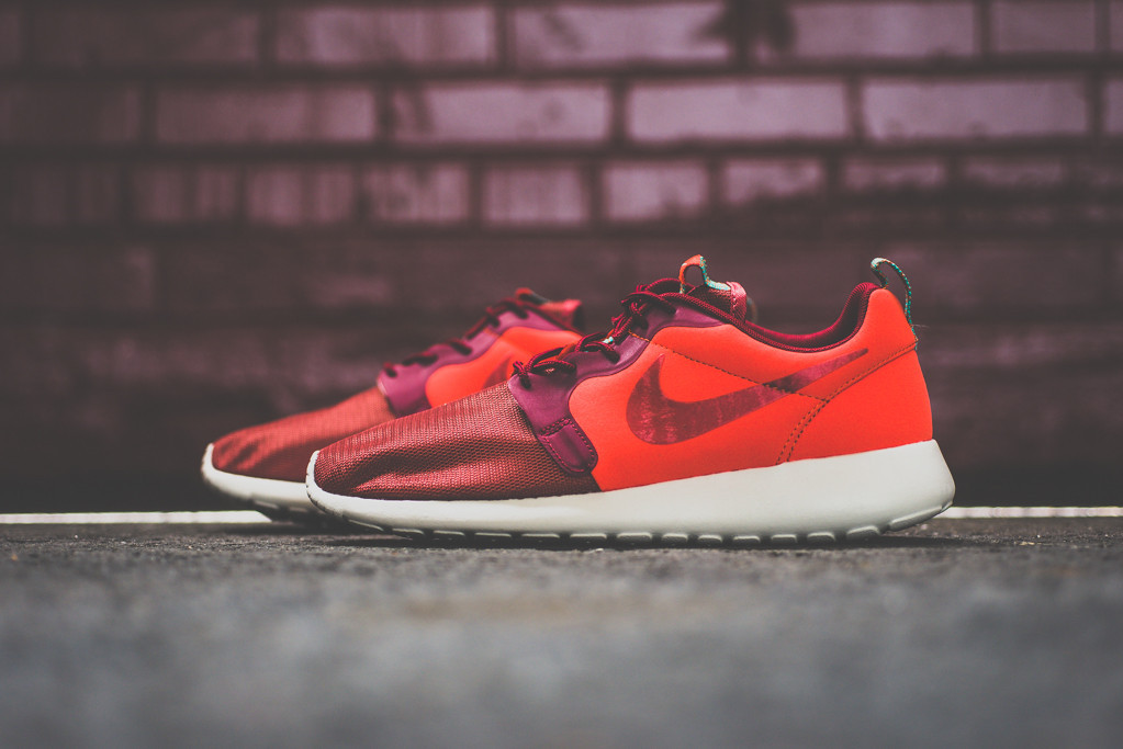 Nike Roshe Run Hyperfuse Team Red