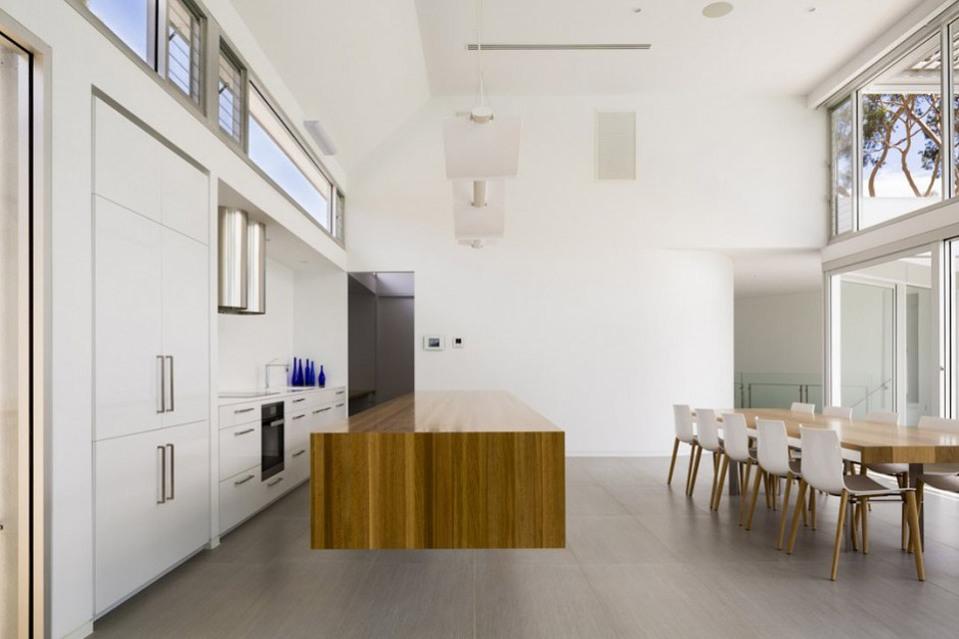 Prestipino-House-by-Max-Pritchard-Architects-06-960x639