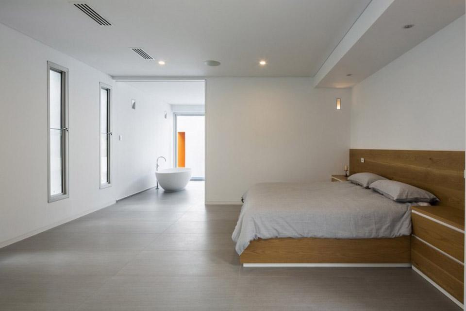 Prestipino-House-by-Max-Pritchard-Architects-09