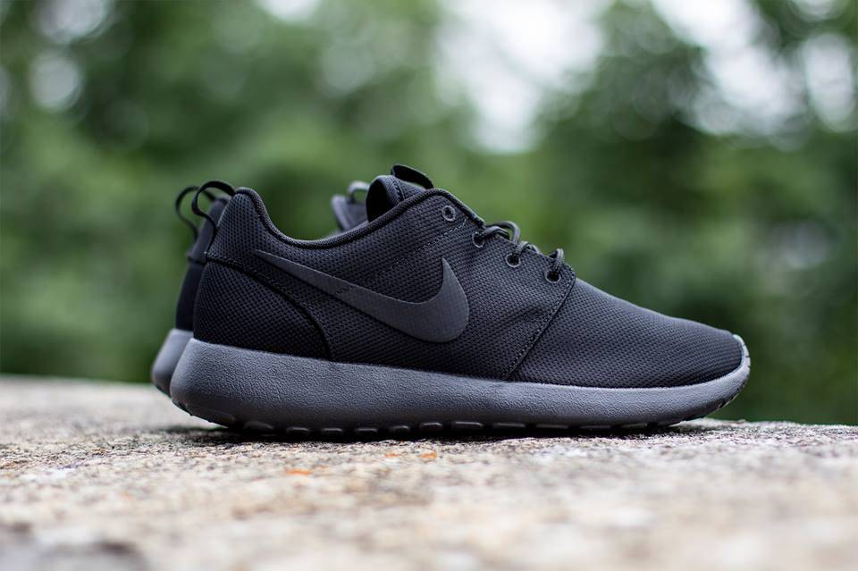 Nike Roshe Run « Triple Black »
