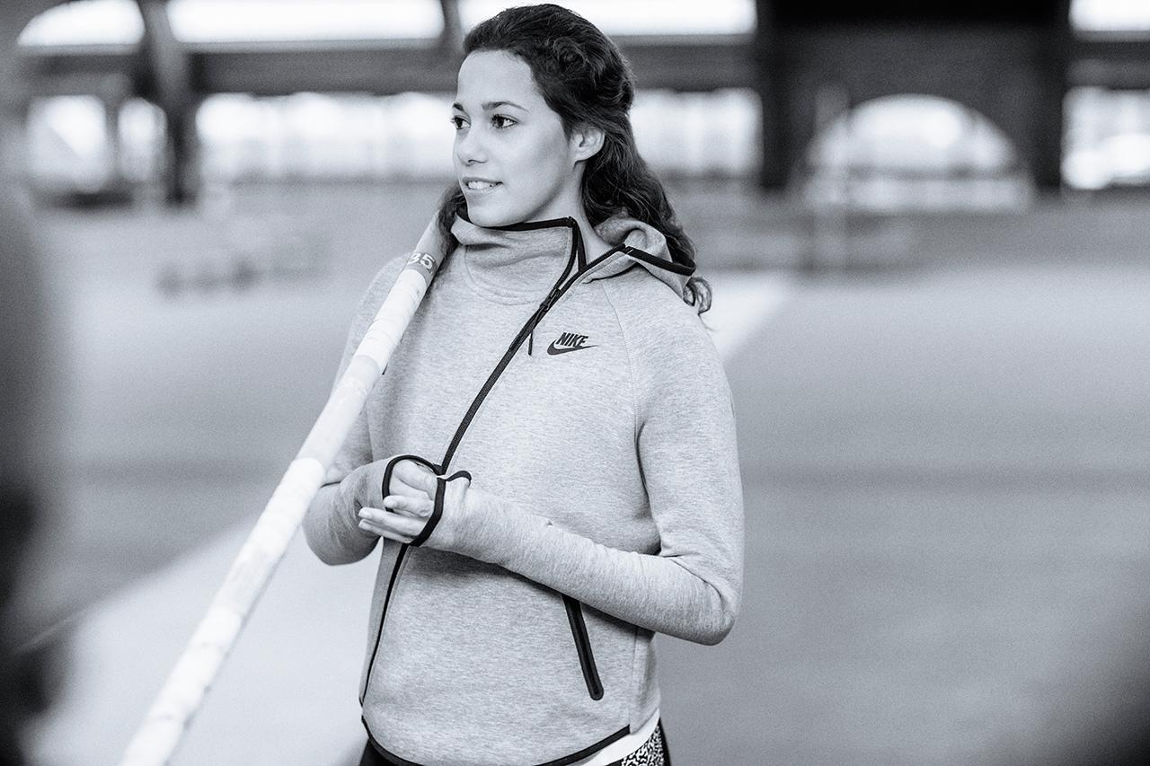 nike-sportswear-2014-fall-winter-tech-pack-lookbook-7