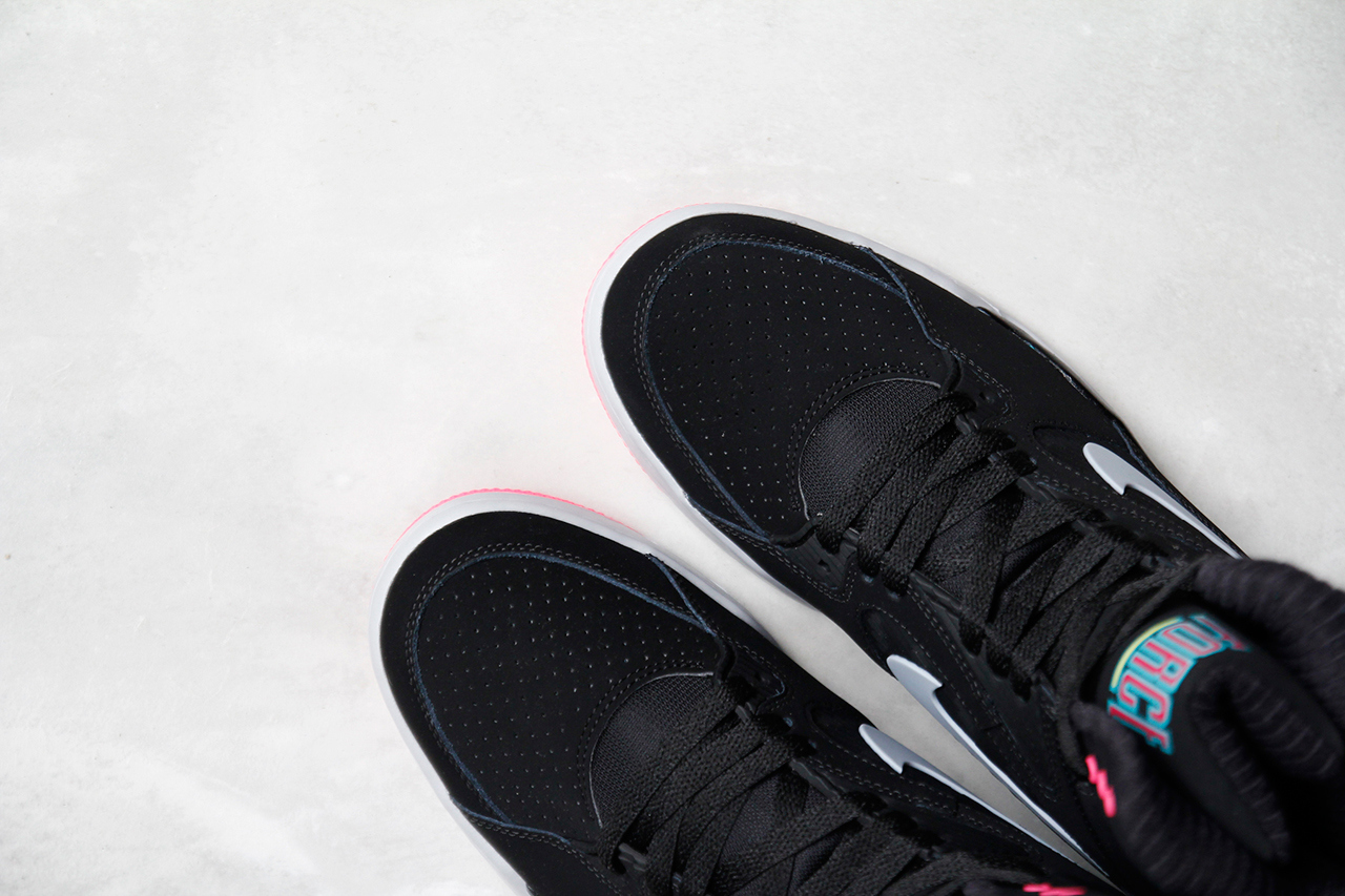 a-closer-look-at-the-nike-air-command-force-lack-wolf-grey-hyper-jade-hyper-pink-4