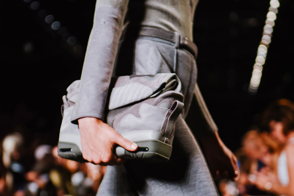 alexander-wangs-womenswear-2015-spring-summer-collection-goes-sneaker-inspiration-3