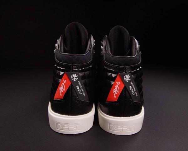 IFWT_nike-lebron-xii-12-nsw-lifestyle-qs-black-red-03-600x480
