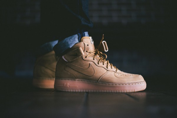 Nike Air Force 1 Mid NSW – Flax