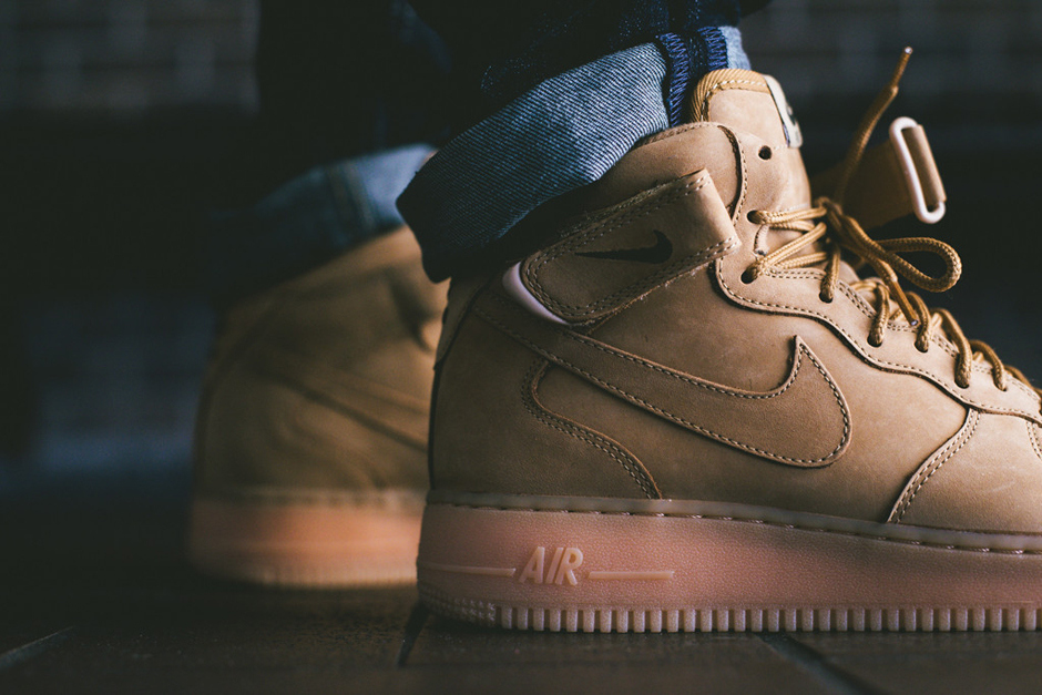 a-closer-look-at-the-nike-air-force-1-mid-nsw-flax-collection-5