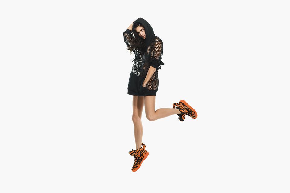 adidas-originals-jeremy-scott-fall-winter-2014-lookbook-13-960x640