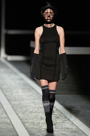 alexander-wang-x-hm-collection-runway-in-new-york-04-300x450
