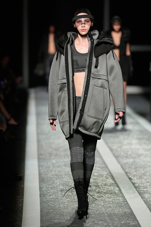 alexander-wang-x-hm-collection-runway-in-new-york-06-300x450