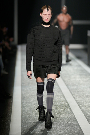 alexander-wang-x-hm-collection-runway-in-new-york-11-300x450