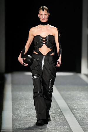 alexander-wang-x-hm-collection-runway-in-new-york-21-300x450