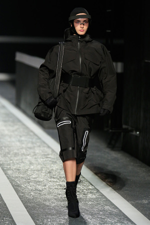 alexander-wang-x-hm-collection-runway-in-new-york-24-300x450
