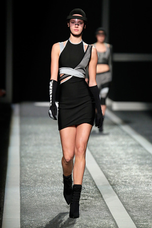alexander-wang-x-hm-collection-runway-in-new-york-26-300x450