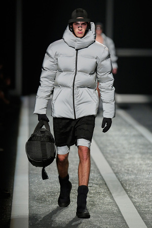 alexander-wang-x-hm-collection-runway-in-new-york-28-300x450