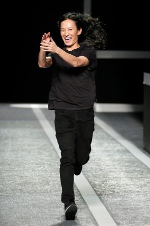 alexander-wang-x-hm-collection-runway-in-new-york-34-300x450