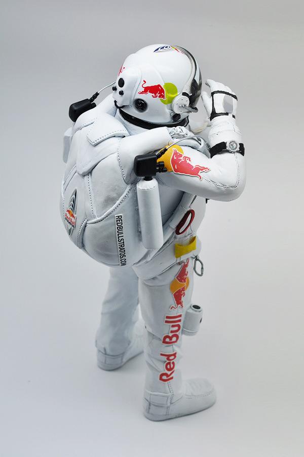 coolrain-felix-baumgartner-astronaut-figure-for-zenith-2