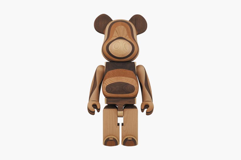 Karimoku x Medicom Toy 1000% en bois