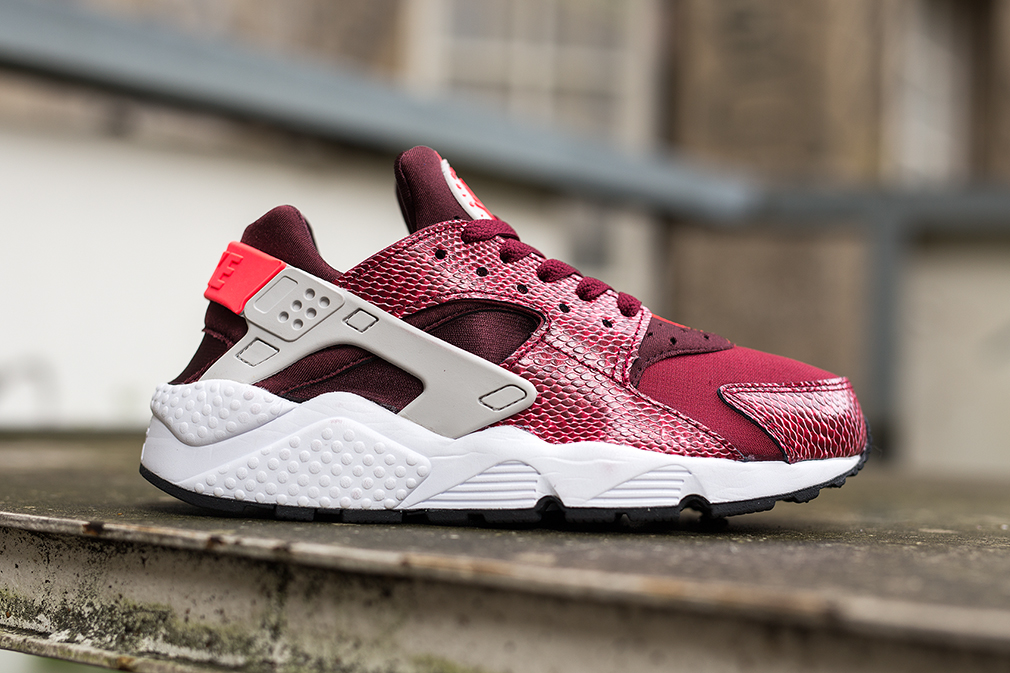 Fashion trends fw 2017 - Nike Air Huarache Wmns Red Lizard Trends Periodical
