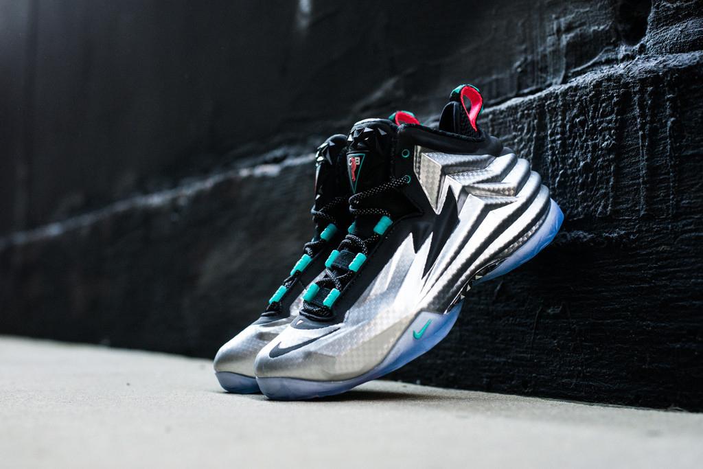 Nike Chuck Posite Metallic Silver / Black