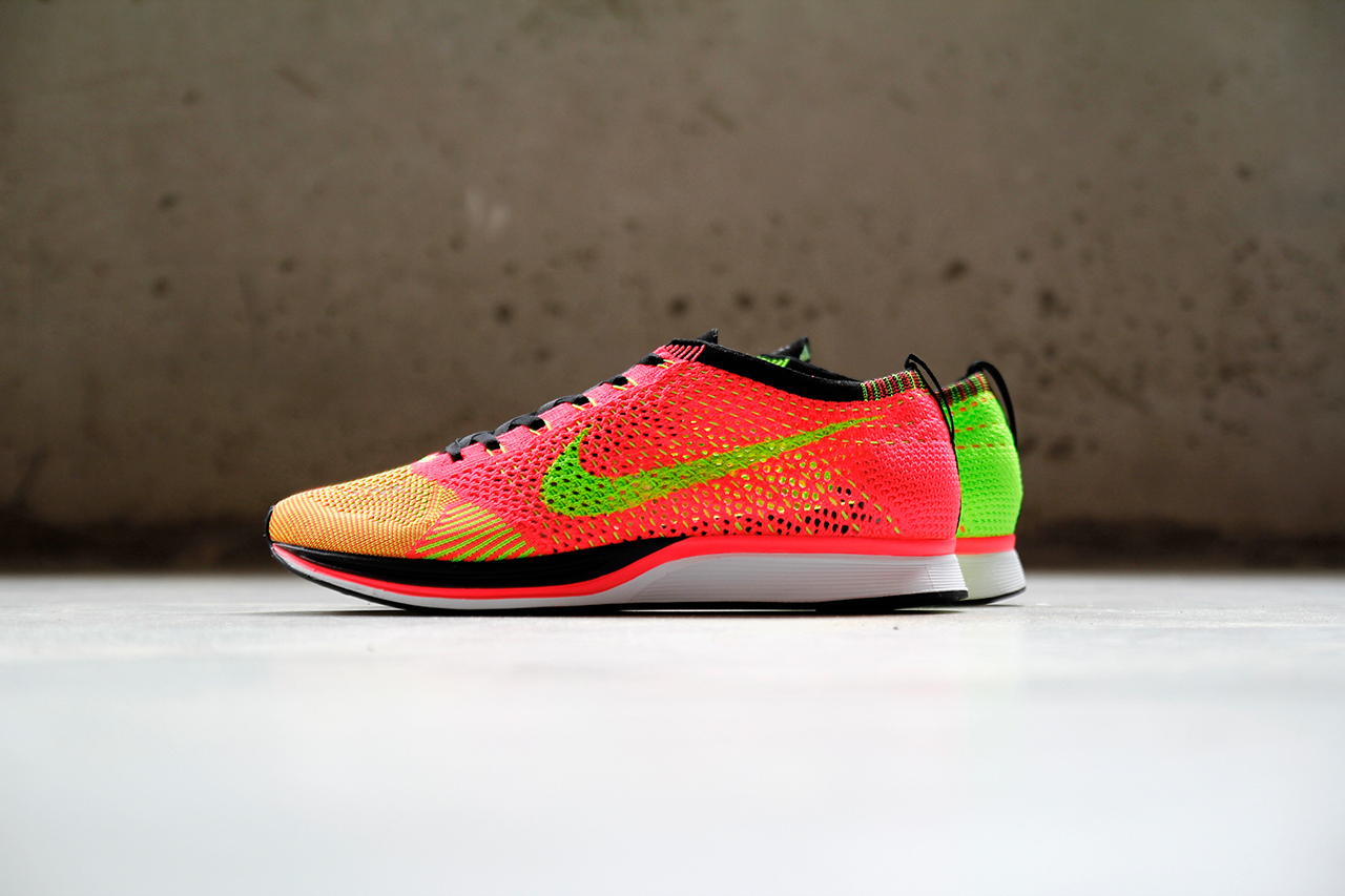 Nike Flyknit Racer Hyper Punch/Volt